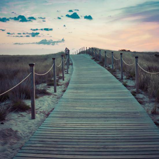 Image of a walkway by Free-Photos from Pixabay