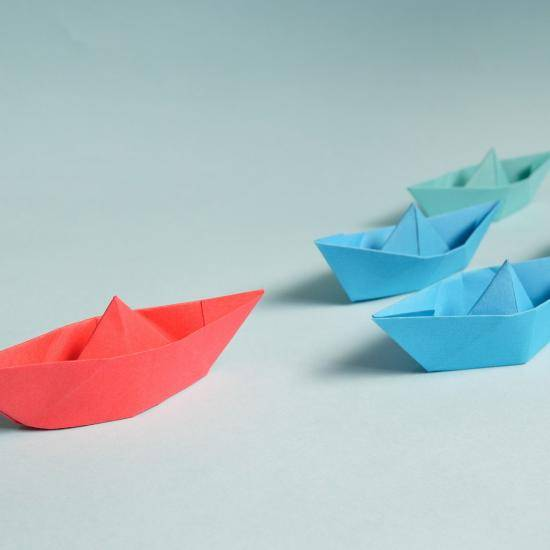 Image of paper boats by Miguel Á. Padriñán from Pixabay