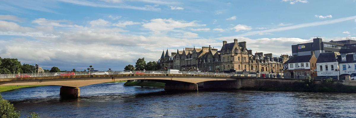 Image of bridge in Inverness by kolibri5 from Pixabay
